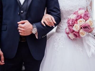 Męska moda ślubna - trendy na 2020 rok